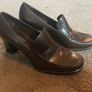 9b77aae9ed12 Franco Sarto Shoes Brown Nolan Heels Size 7